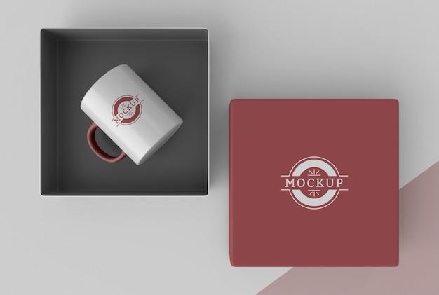 Composição da caixa de caneca de mock-up