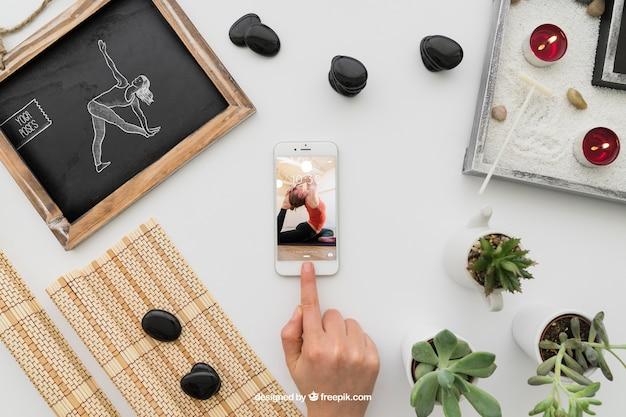 Composição de ioga com smartphone