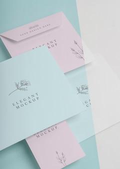 Composição de maquete de convite elegante