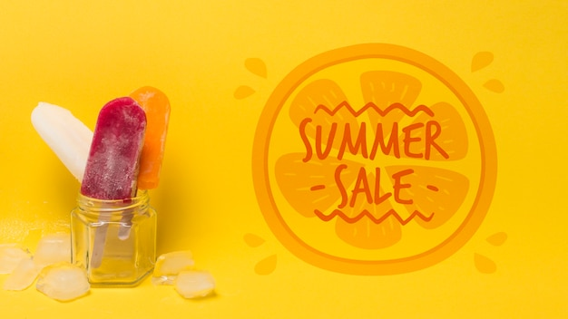 Composição de sorvete de verão com copyspace
