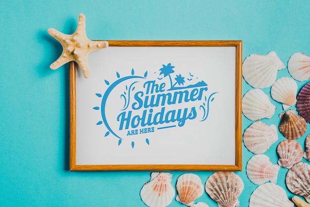 Composição de verão com quadro branco