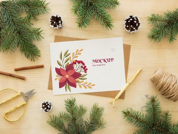 Composição de véspera de natal com cartão