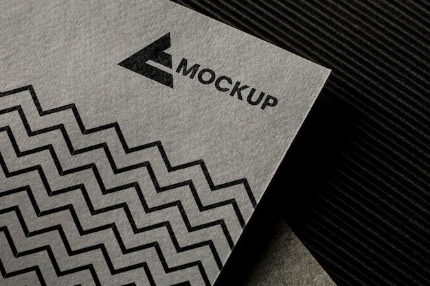 Composição do mock-up da marca no cartão
