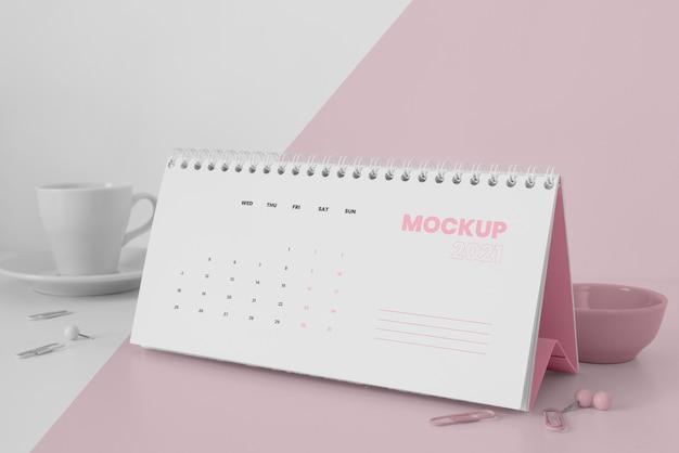Composição mínima de mock-up de calendário