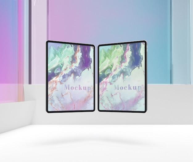 Comprimidos em forma de livro com vidro