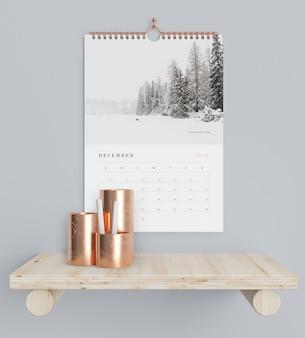 Conceito de calendário no suporte de livros