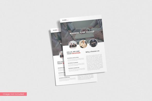 Conceito de design de maquete de panfleto comercial