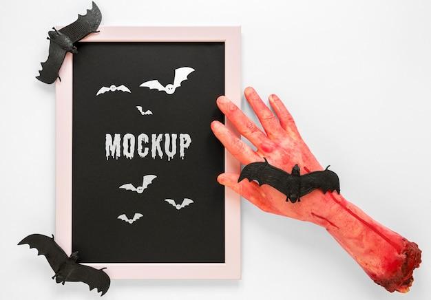 Conceito de mock-up assustador de mão sangrenta