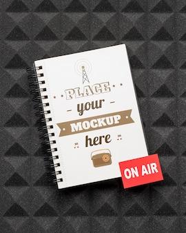 Conceito de rádio com maquete