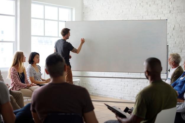 Conceito de seminário de rede de placas brancas