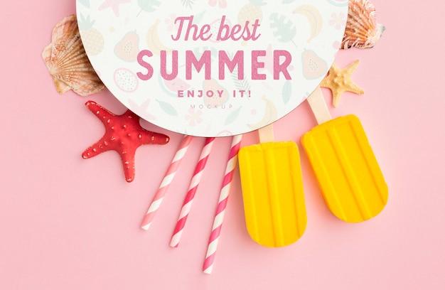 Conceito de verão com fundo rosa