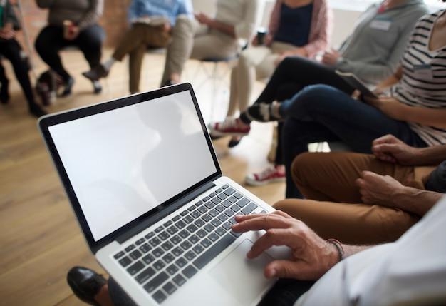 Conceito do evento do seminário dos trabalhos em rede do portátil