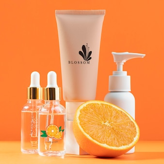 Conceito natural de cosméticos de suco de laranja