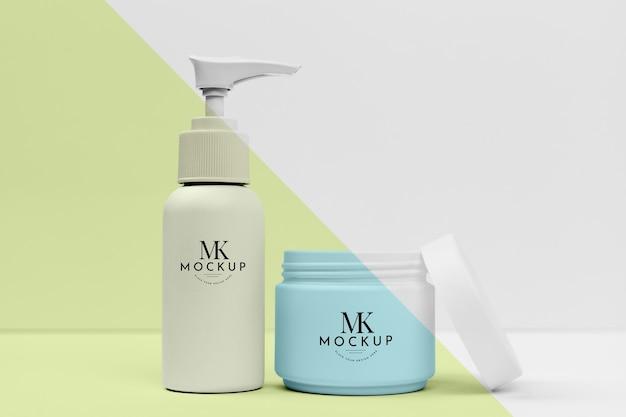 Conjunto de produtos cosméticos para maquete de beleza