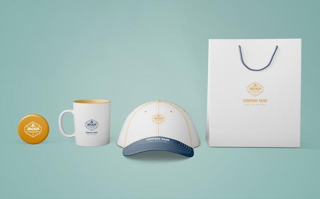 Conjunto de produtos de merchandising com logotipo da empresa