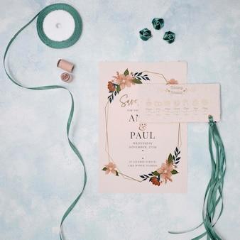 Convite de casamento de papelaria com fita