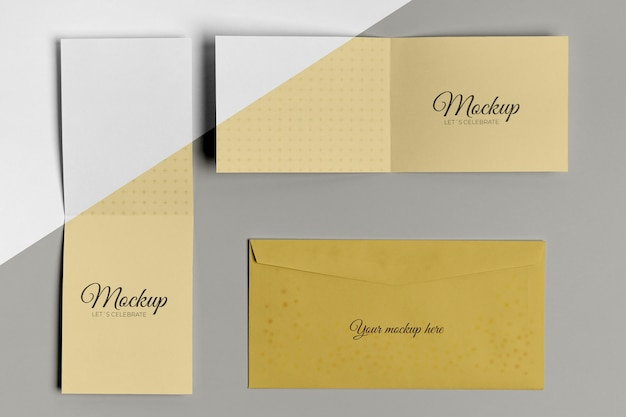 Convite e envelope de mock-up horizontal e vertical