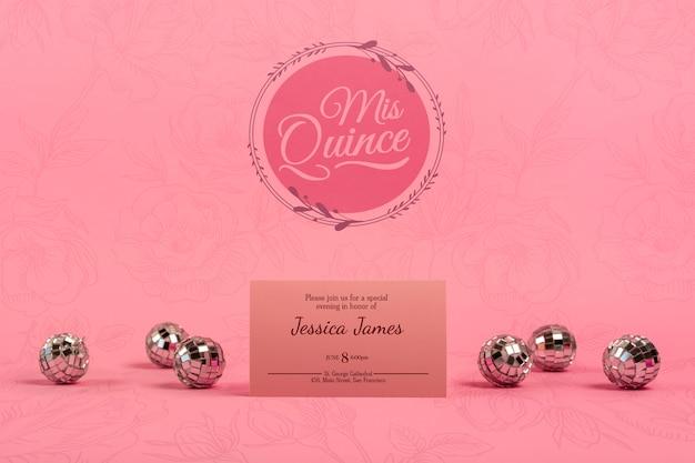 Convite para aniversário de 15 anos de menina e bolas de prata