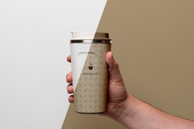 Copo de plástico com simulação de café