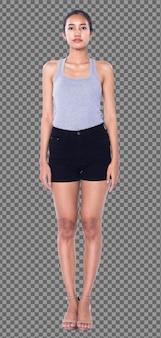 Corpo inteiro de 20 anos mulher asiática usar um vestido vasto cinza calça preta curta, isolada. garota de pele bronzeada fica inteligente e expressa o sorriso de confiança em sapatos de salto alto fundo branco do estúdio