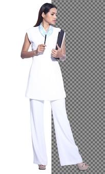 Corpo inteiro snap figure, 20s mulher de negócios asiática inteligente em calças sociais, isolada. garota de escritório com pele bronzeada tem cabelo preto comprido e liso, andar sorriso sobre fundo branco estúdio