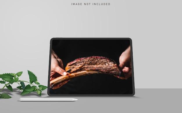 Criador de cena de maquete pro tablet com caneta folha e caneta