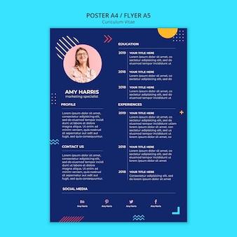 Currículo de artigos de papelaria do novo funcionário em design azul
