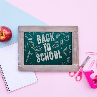 De volta à escola mockup blackboard
