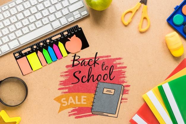 De volta à venda da escola com notas autoadesivas