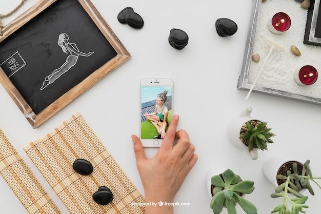 Decoração de ioga com smartphone