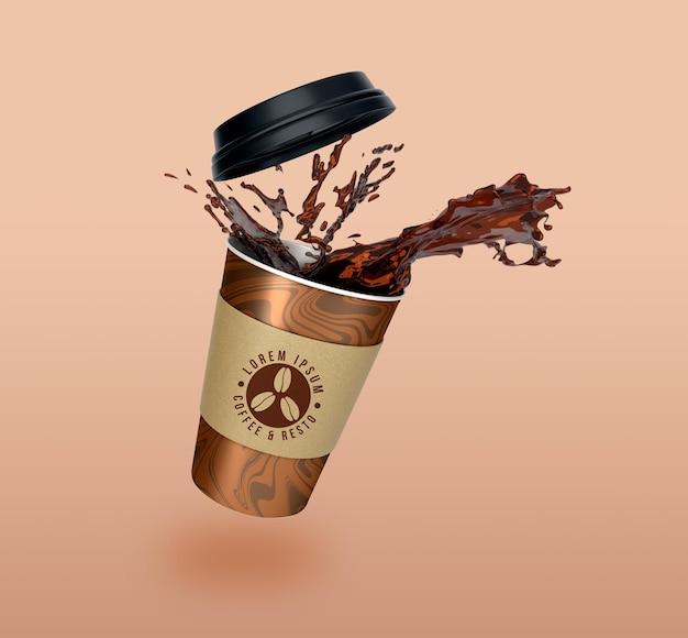 Desenho de maquete de copo de papel flutuante para levar café e chá