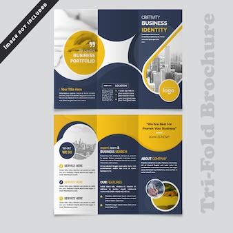 Design de brochura com três dobras onda abstrata azul