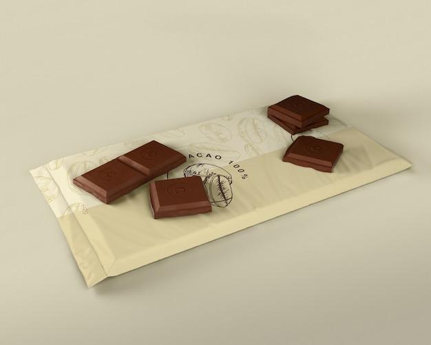Design de embrulho de plástico para pastilhas de chocolate