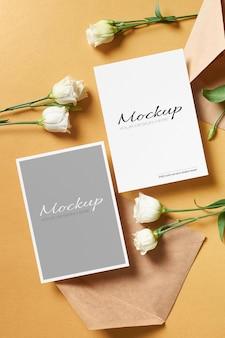 Design de maquete de cartão de convite