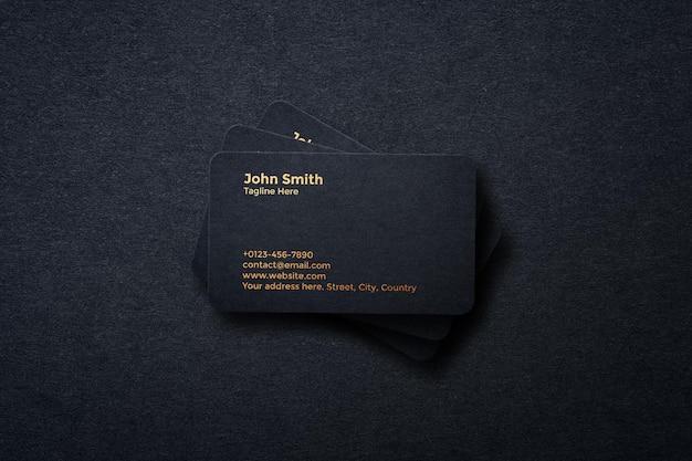 Design de maquete de cartão de visita preto luxuoso em renderização 3d