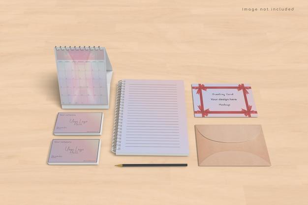 Design de maquete de cartão e calendário