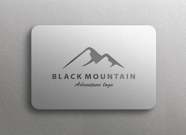 Design de maquete de logotipo elegante em placa texturizada