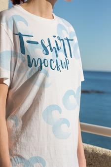 Design de maquete de t-shirt