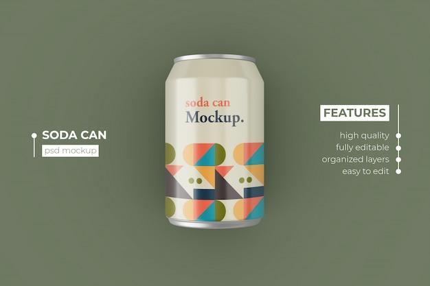 Design de maquetes de lata de refrigerante metálico realista