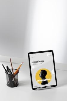 Design de mock-up mínimo para área de trabalho de área de trabalho