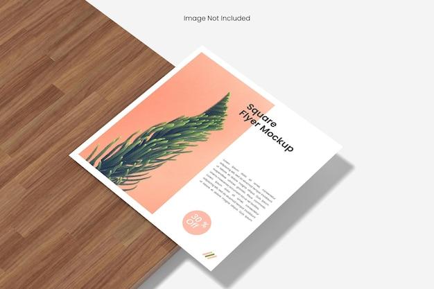 Design de mockup de panfleto quadrado isolado