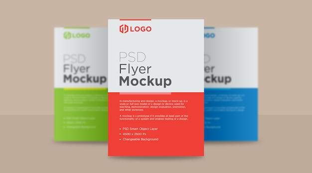 Design de mockup de três panfletos e pôsteres