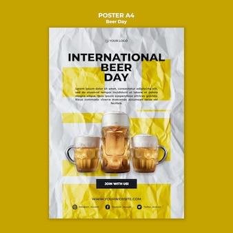Design de modelo de cartaz de dia de cerveja