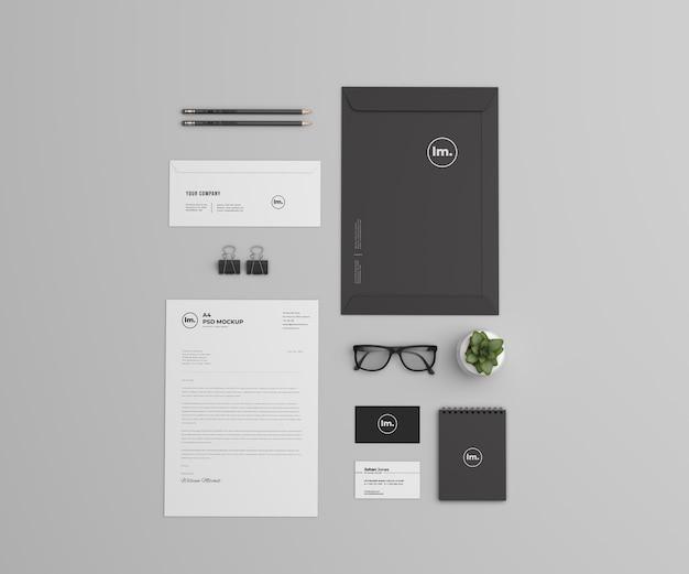 Design de modelo de marca e papelaria da vista superior isolado