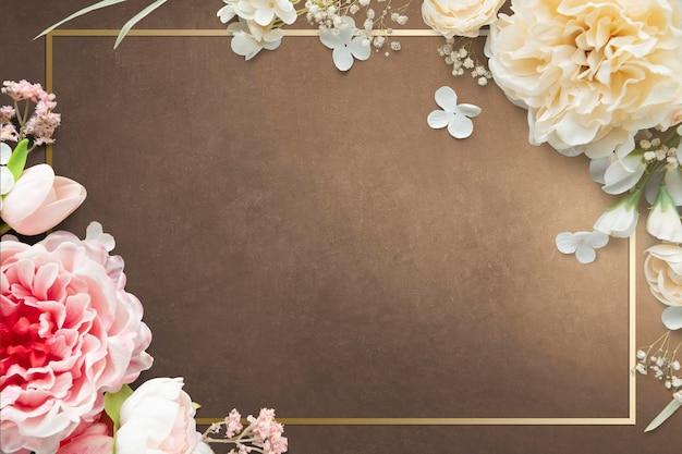 Design de moldura floral em retângulo dourado