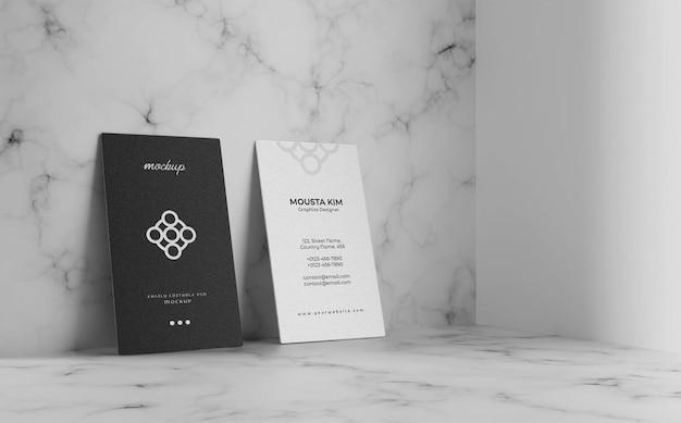 Design elegante de maquete de cartão de visita vertical