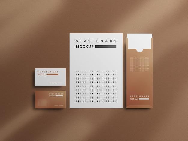 Design moderno de maquete de papelaria