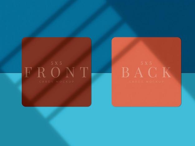 Design moderno de mock-up de cartão de visita para apresentação de marca, identidade corporativa, pessoal com sobreposição de sombra