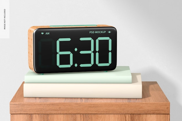 Despertador de madeira na maquete da mesinha de cabeceira