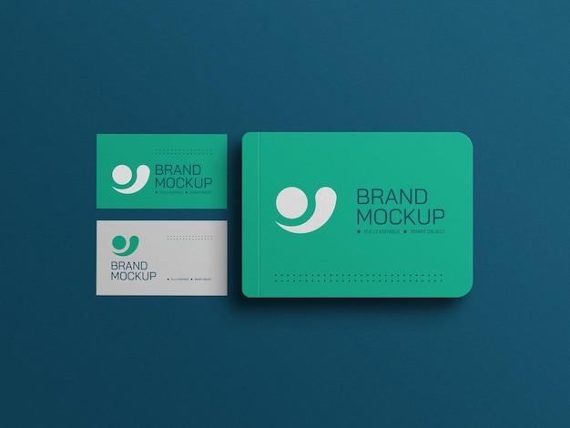 Diário mínimo com maquete de cartões de visita